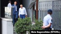 Мамука Хазарадзе и Бадри Джапаридзе накануне были вызваны в Генпрокуратуру