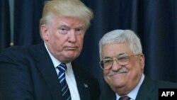 АҚШ президенті Дональд Трамп Палестина әкімшілігіәнң басшысы Махмуд Аббаспен кездесіп тұр. Вифлеем, 23 мамыр 2017 жыл.
