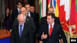Премиерот Никола Груевски и претседателот на ЕУ Херман Ван Ромпуј во Брисел.