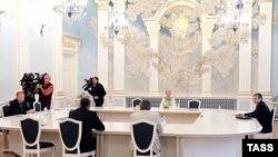 Засідання контактної групи щодо врегулювання ситуації на Донбасі, архівне фото