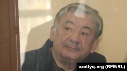 Генерал-лейтенант Нұрлан Жоламанов сотта отыр. Астана, 29 қаңтар 2015 жыл.