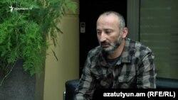 Член партии «Решение гражданина» Гарегин Мискарян в студии Радио Азатутюн, Ереван, 1 мая 2019 г.