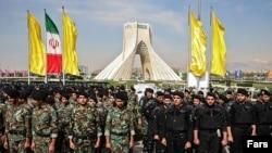 مقامات پلیس ایران میگویند هدف از این مانور نشان دادن تواناییهایی پلیس پایتخت در تامین امنیت تهران است