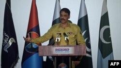 د ارشیف انځور: جنرال اصف غفور په فبرورۍ کې د پوځي افسرانو د نیولو خبر تایید کړی وو