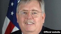 Джон Теффт, американський дипломат