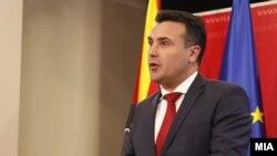 Премиерот Зоран Заев и министерот за здравство Венко Филипче