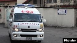 Շտապ բուժօգնության ավտոմեքենա «Նորք» ինֆեկցիոն հիվանդանոցի մոտ, արխիվ