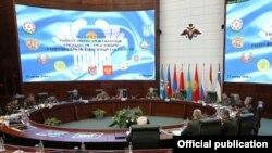 Сустрэча міністраў абароны краінаў СНД у Маскве 15 чэрвеня 2016 году