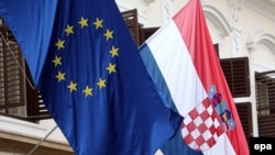 Zastave Hrvatske i EU