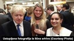 Anđela Mirčić (u sredini) upoznala je tokom kampanje i bivšeg gradonačelnika Londona Borisa Johnsona