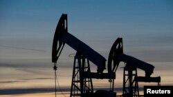 Platforme za ispumpavanje nafte iz zemlje