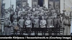 Echipele de negociere a armistițiului, Focșani, 9 decembrie 1917. Sursa: Constantin Kirițescu, Istoria războiului pentru întregirea României, ediția a II-a, 1925; și https://www.facebook.com/Focsaniulvechi