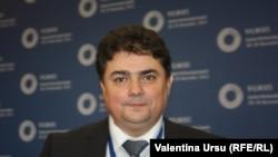 Ministrul economiei Octavian Calmîc