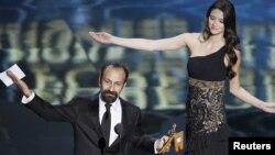 """Asghar Farhadi, """"Ayrılıq"""" filmi ilə bağlı mükafatlandırma, Hollywood, 26 fevral 2012"""