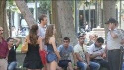 Xarici turistlər Formula-1 haqda danışırlar