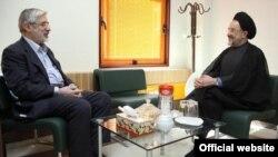 محمد خاتمى و ميرحسين موسوى ، عکس از پارلمان نیوز