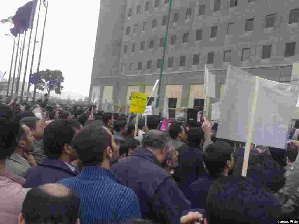 تظاهرات روز سه شنبه معلمان در برابر مجلس