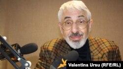 Vladimir Socor, în studioul Europei Libere