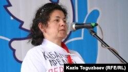 Елена Семенова, қоғамдық белсенді. Алматы, 1 мамыр 2010 жыл