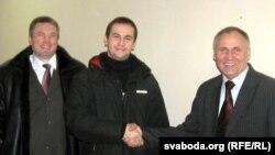 Аляксандар Бажкоў падчас сустрэчы са Статкевічам і Вусам у Віцебску напярэдадні прэзыдэнцкіх выбараў.