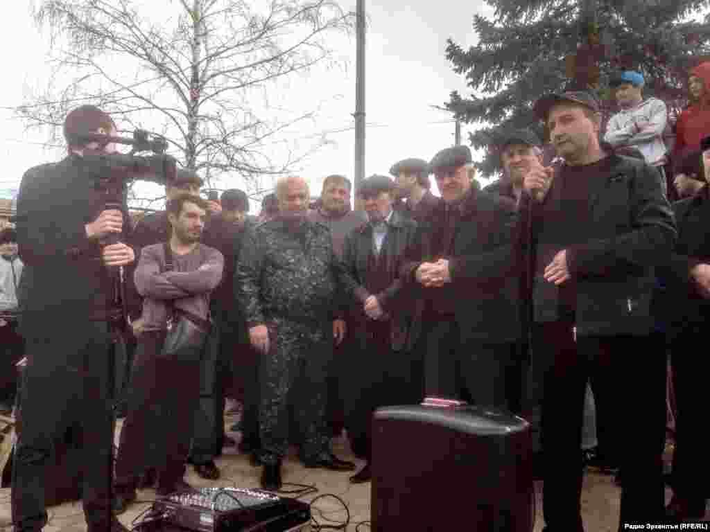 Буйнахъскалъул аслияб майданалда аскIоб гьабулеб митинг. 5Фев2016