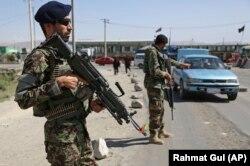 Сотрудники сил безопасности Афганистана. Иллюстративное фото.