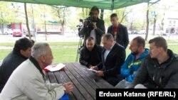 Dragan Mektić razgovara sa štrajkačima, Banjaluka, 9. april 2016.