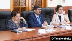 Посол Республики Никарагуа в России Альба Торрес (слева) посетила с визитом Севастополь, июнь 2015 года