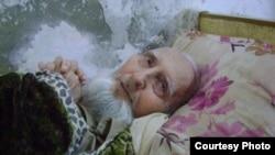 د پښتو ژبې وتلی شاعر پروفیسر رحمت الله درد د اګست په ۳۱ مه نېټه له اوږدې ناروغۍ وروسته د ۸۲ کلونو په عمر ومړ.