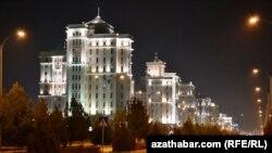 Aşgabadyň Türkmenbaşy şaýolunyň ugry