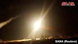 Imagine dintr-u clip video cu lansarea unei rachete siriene de la Homs și care a explodat în aer, 1 iulie 2019.