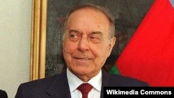 Умерший бывший президент Азербайджана Гейдар Алиев.
