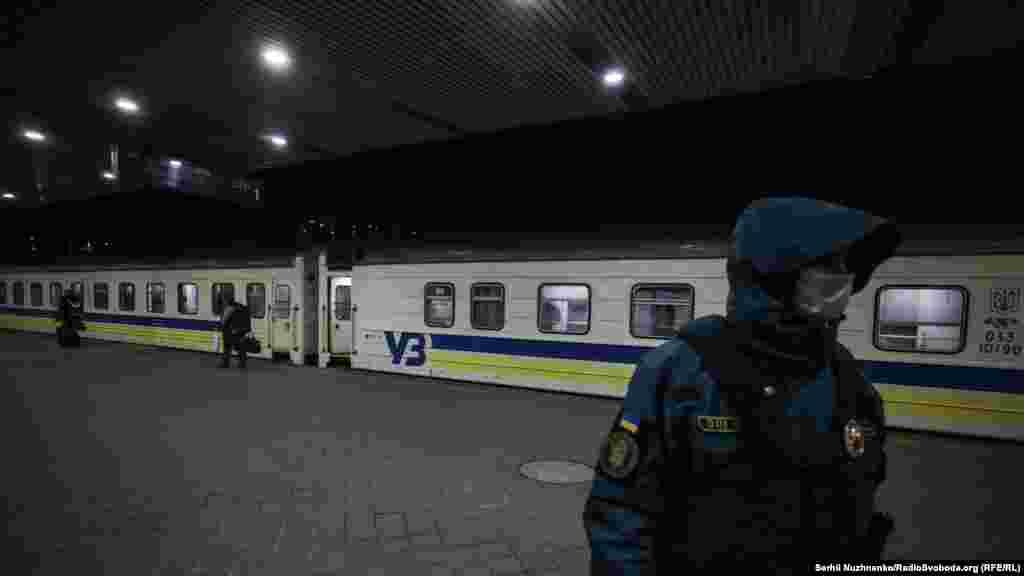 Як заявили в МОЗ, у пасажирів потяга, який евакуював українців із Латвії, коронавірусу не виявлено
