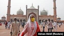 Індія, населення якої становить 1,3 мільярда людей, повідомила про 562 підтверджені випадки коронавірусу