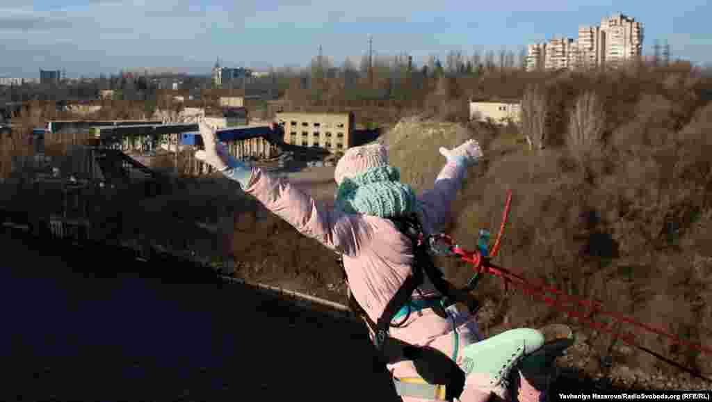 Щоб стрибнути в Новий рік, до Запоріжжя приїхали любителі екстриму з Дніпра, Харкова, Кривого Рогу та Кременчука