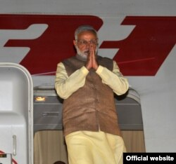 Премьер-министр Индии Нарендра Моди в ходе визита в Таджикистан
