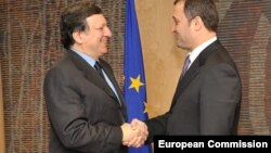 Premierul Vlad Filat și președintele UE, Jose Manuel Barroso la întîlnirea de la Bruxelles, în februarie 2011