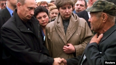 The Kursk Catastrophe A Lesson For Putin Is Fading From Russia S Attention 20 Years Later