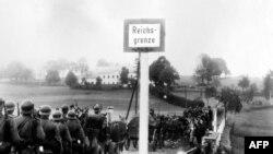 Немецкие войска вступают в Судетскую область Чехословакии, переданную Германии по Мюнхенскому соглашению. 1 октября 1938 года