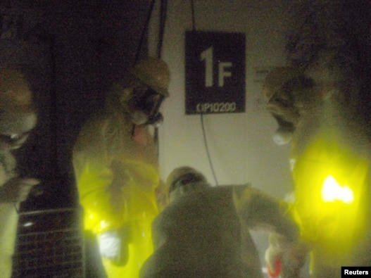 Спасатели на АЭС 'Фукусима-Дайичи', 23 марта 2011 г