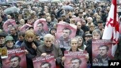МВД Грузии обещает: если экс-президент решит вернуться на родину, полиция предпримет в отношении него «законные меры»