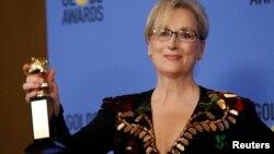 Meryl Streep kino mükafatı alır.