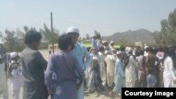 دوشوکی: امام جمعه بازداشتی «پِشامگ سرباز» از فرستادن «اهل سنت» به سوریه انتقاد کرده بود