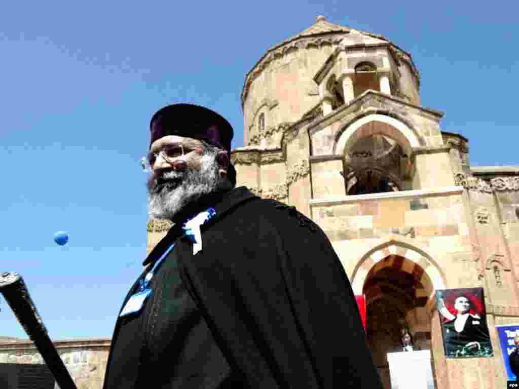 Armenian Patriarch Mesrob II visited the church in 2007.