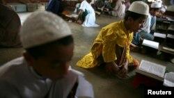 Даккадагы медресенин окуучулары