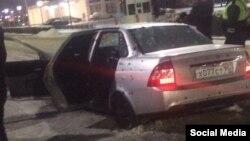 Машина подозреваемых в нападении на полицейских в Грозном
