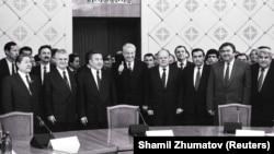 После подписания Алма-Атинской декларации, закрепившей образование СНГ. 21 декабря 1991 года