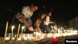 По сложившейся традиции траурные мероприятия, посвященные памяти жертв грузинской агрессии 2008 года, проходят вечером 8 августа