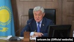 Министр труда и социальной защиты населения Бердибек Сапарбаев.