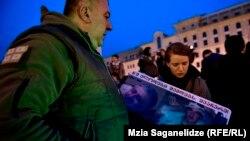Ситуация вокруг выдачи тела погибшего при невыясненных обстоятельствах Арчила Татунашвили продолжает волновать общественность Грузии